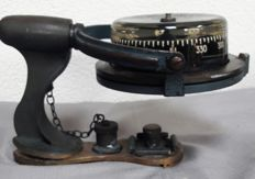 H. Browne & Sons Ltd,-Sestrel Moore compass
