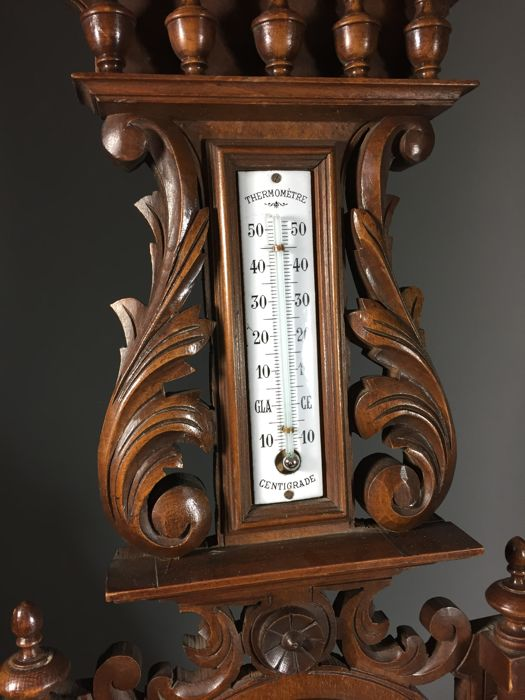 Softwood barometer with carved decor france 1st half for Decor traduction
