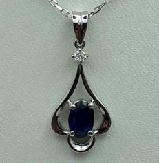 14 14Ct White Gold Chain and Sapphire Pendant With Diamond, Sapp:0.55ct, Diam:0.03Ct, Chain 45cm , pendt. :2.5cm,Tot. Weight 2.42g