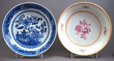 Two deep dishes - China - 18th century