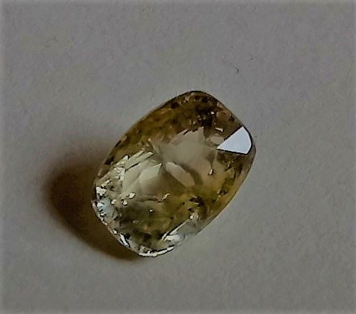 Sapphire Yellow - 3,72 ct - no reserve
