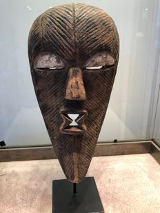 Very nice ancient dance Mask carved in wood - SONGYE - Former Belgian Congo
