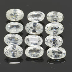 12 White Zircons - 9.60 ct