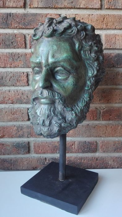 Classical bust of Roman or Greek style in bronze - Italy Ca. 1900