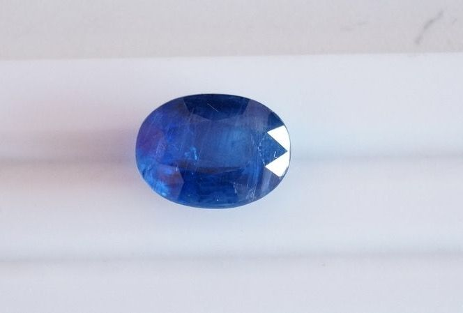Kyanite - strong blue - 12.64 ct.