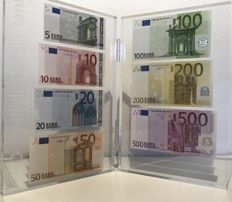 Presentation set of euro banknotes in 2017 issued by de Nederlandsche Bank - 5, 10, 20, 50, 100, 200 and 500 euros in acrylic glass