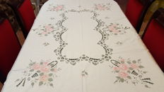 Rectangular hand made tablecloth for 6 people with applications of fabric and lace - 204 x 173 cm - without reservation