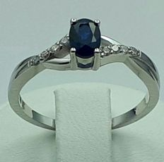 14 Ct White Gold Sapphire and Diamond Ring, Total  weight  2.73g, size 16.5mm