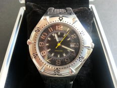 Renault men's wrist watch