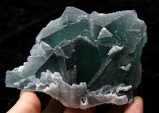 Natural green/purple octahedral fluorite crystal - 10 x 6 x 6 cm - 443,8 g