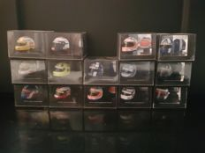 Onyx - Scale 1/12 - Lot of 14 F1 helmets