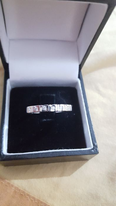 18 kt white gold&diamonds ,  size is 55 can ve adjusted very easy, beeing a big size