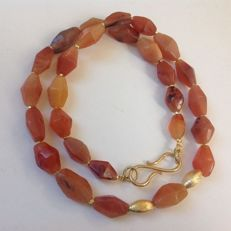 Necklace with ancient carnelian Pyu beads, ca 56,50 cm