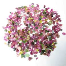 Lot of natural tourmaline  rough crystals - 532.00ct