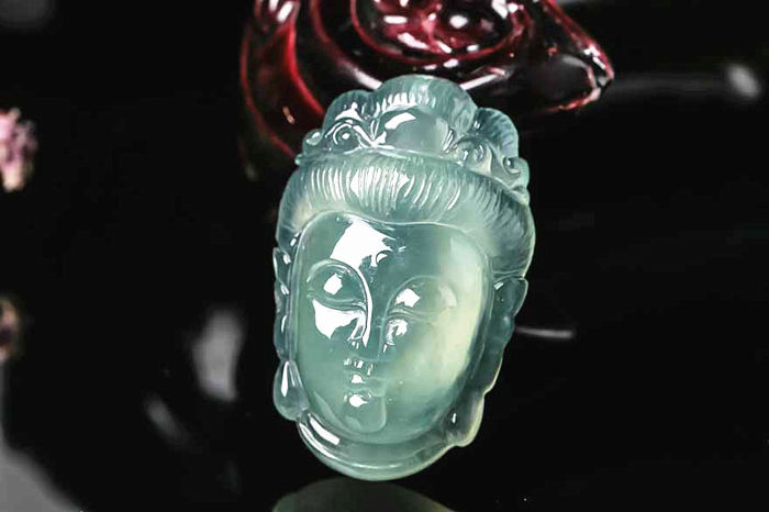 Burmese natural ice type grade A Jadeite Guanyin pendant, send jewelry appraisal certificate, 3.4 grams