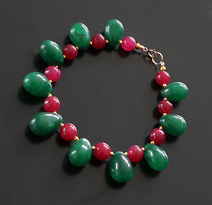 Bracelet of rubies and emeralds with 14 kt Gold clasp - 20 cm - 135 ct