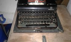 Olympia typewriter, portable with casing, mechanical, 1948 azerty keyboard