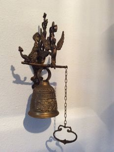 "Large Church/Monastery Bell with mounting bracket ""VOCEM - MEAM - A - OVIME - TANGIT"" - 20th century  P"
