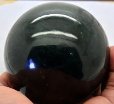 Beautfiul Naphrite Jade Sphere - 96 mm - 1300 gm