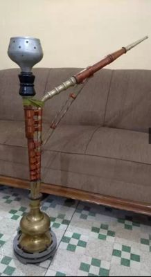 Original hand crafted wooden hookah with brass - Middle East - second half 20th century (49cm)