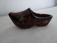 Plateel Rozenburg - Clog with floral decor