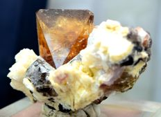 Terminated And Undamaged Large Topaz Crystal With Quartz And Tourmaline - 73*49*39 mm - 118gr