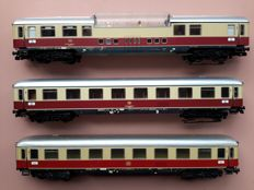 Märklin H0 - 3 x TEE passenger carriages, metal, 2 of which with built-in interior lighting