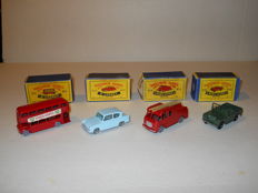 Moko Lesney Matchbox - Scale 1/76 - London bus no. 5, Ford Anglia New Model no. 7 Fire Escape no. 9, Land Rover series II (military) no. 12