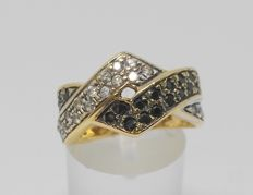 Yellow gold cocktail ring with black and white zirconias - Inner measurement: 17 mm
