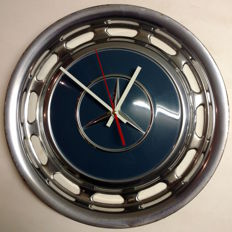 Mercedes-Benz hubcap clock, diameter 39 cm
