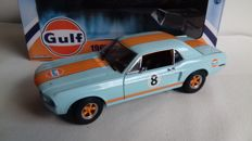 Greenlight - Schaal 1/18 - Ford Mustang Coupe #8 ´Gulf´ 1967
