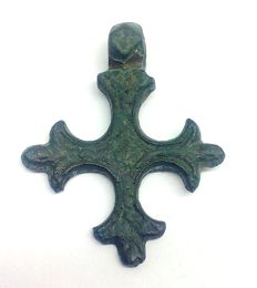 Medieval bronze cross decorated 28x23 mm