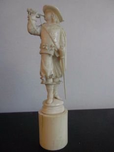 Ivory statue representing a bugle player - Dieppe, France - 19th century