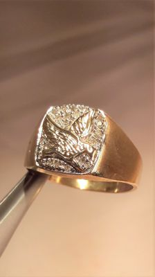 14k white and yellow gold vintage Eagle ring for Men's, set with 0,20 ct of Diamonds