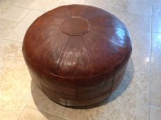 Woerdenbach - vintage leather pouf