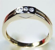 4.70 grams heavy 14 kt bi-colour gold men's ring with diamonds of in total 0.18 ct - Ring size: Ø 19.50 mm *No reserve price*