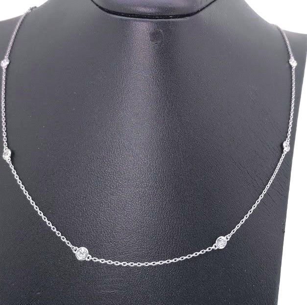 Diamond necklace with 10 diamonds, 0.50 ct in total ***