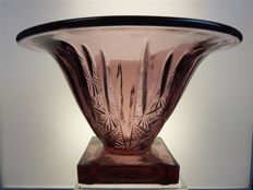 Verlys - Frosted glass vase with geometric design