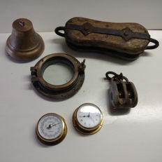 Lot with 6 different maritime items: Porthole, clock, barometer, blocks, bell