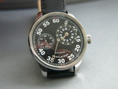45. Molnija Regulateur military style wristwatch