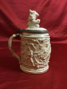 "Bisque porcelain and enamel ""Tankard"" mug with pure gold threads"