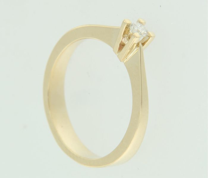 14 kt yellow gold solitair ring set with brilliant cut diamond approx. 0.06 ct in total, ring size 16.5 (52)