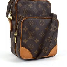 Louis Vuitton - Amazon Messenger Crossbody bag