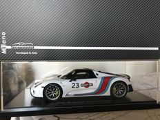 Spark - Scale 1/18 - Porsche 918 Martini Racing #23 - Limited Edition 918