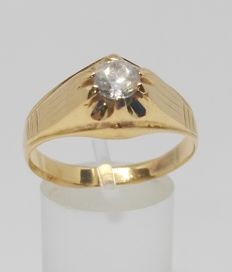Cocktail ring in 18 kt yellow gold - Zirconia - Inner measurement: 20 mm