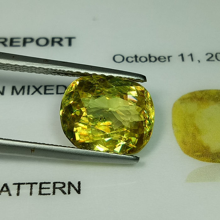 Sphene - 3.43 ct