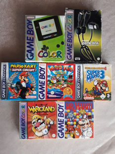 Nintendo - 7 boxed gameboy items