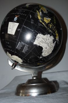 Extremely decorative globe with metal base and Meridian - second half 20th century