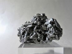 Rarity - iron meteorite Campo del Cielo with movable part - Octaedrite IVA - in 3D crystal form - 191.7 g