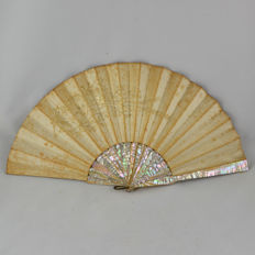 Hand Embroidery on silk and mother-of-pearl Wedding Fan – 19th Century